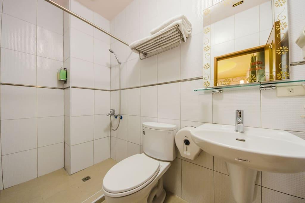 星兒三人房/衛浴設備