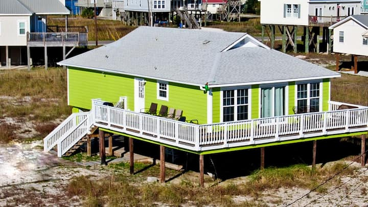 Seafari - Cozy Seaside Beach Cottage just a few houses back from the Gulf. Nicely furnished, with lots of deck space.