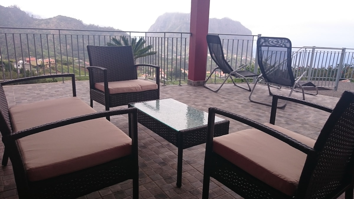 Porto Da Cruz September 2017: Familienfreundliche Ferienunterkünfte,  Wohnungen Und Häuser In Porto Da Cruz   Airbnb, Madeira, Portugal