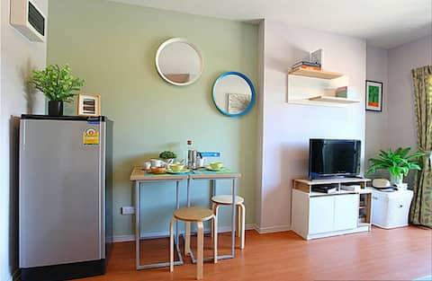 Family Room Condo LPN SeaView 1706 ติดทะเล