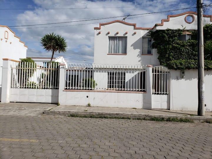 Casa Independiente confortable en Latacunga