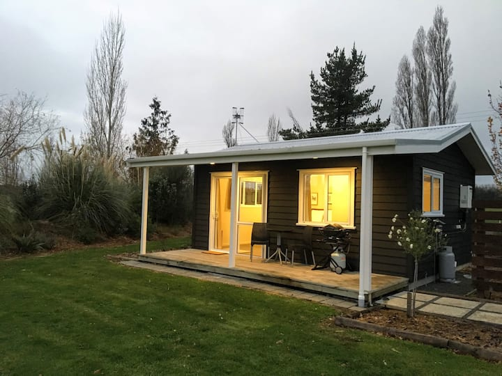 Little Black Cottage, Waipukurau: rural retreat