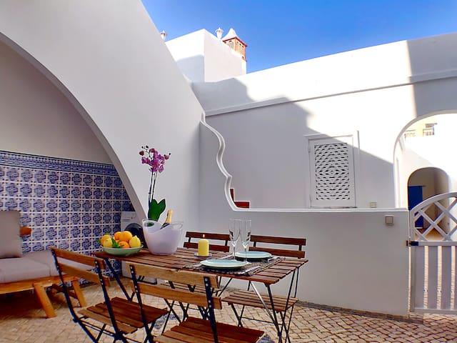 Estrella: Intimate Oasis on the ground floor.