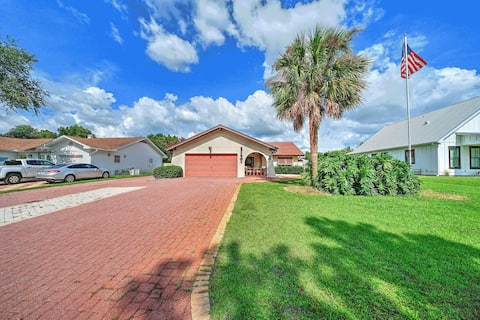 Newly Listed! Large 4 bedroom house; Golf Cart; Outdoor Dream
