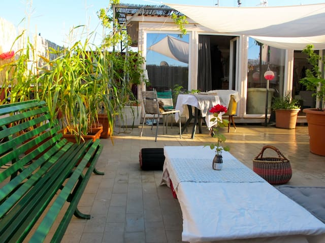 roof top romantic studio attic in testaccio