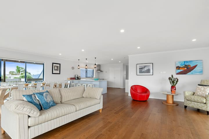 Stylish and Bright Open-Plan Living