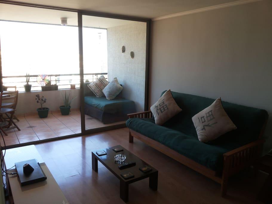Living: Sillón-cama 2 plazas.