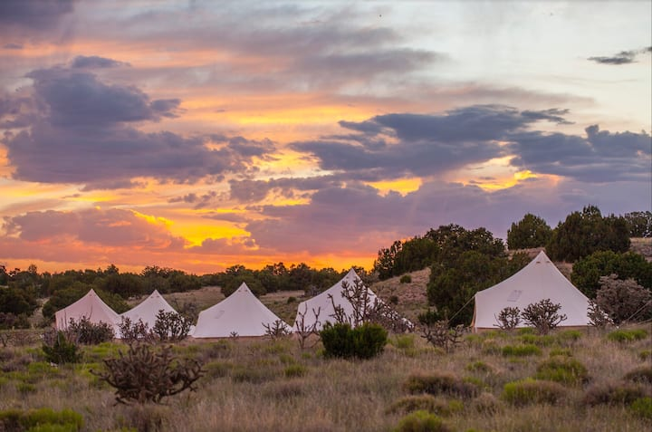 High Desert Glamping @staykitox. 20 min from SF:A3