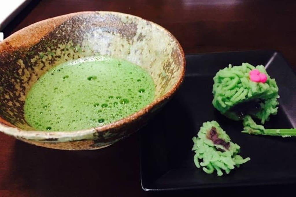 和食店で提供する抹茶と和菓子
