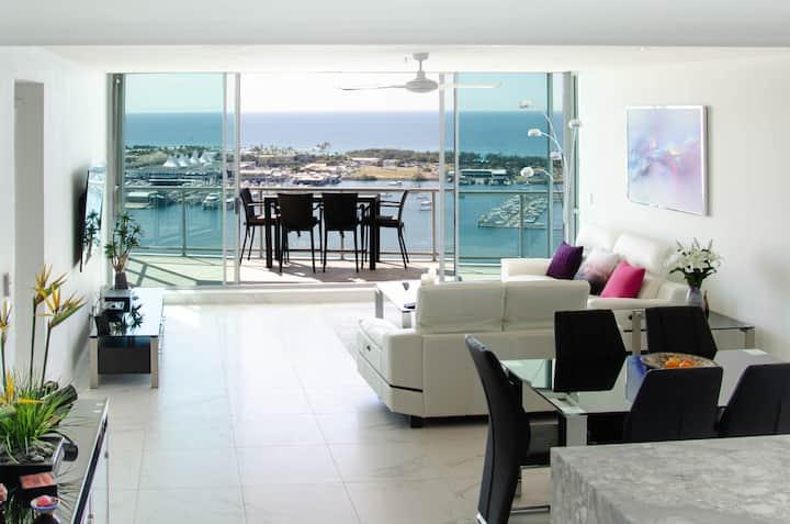 Luxury Modern 2 Bedroom Unit. Amazing Coastal View