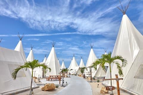 Deluxe Glamp Tent - The ANMON Resort Bintan