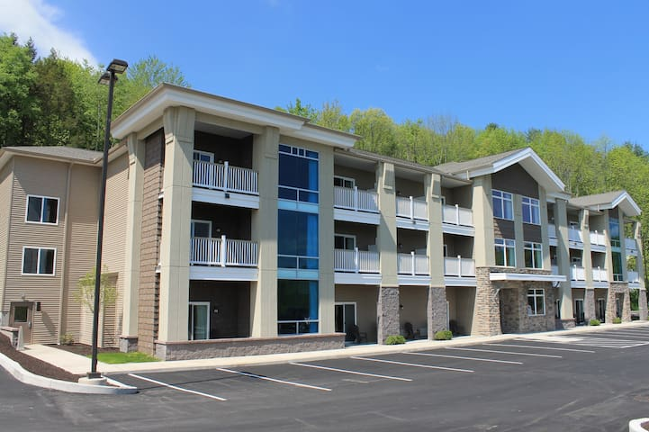 Crystal Springs Inn and Suites - Towanda - Muu