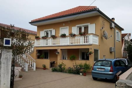 One bedroom apartment with terrace Nin, Zadar (A-6125-c) - Nin