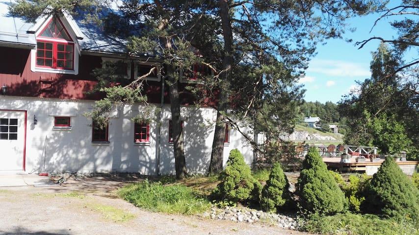Ihastuttava maalaistalo - An old barn