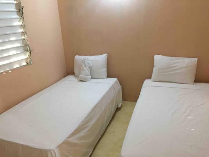 Habitacion doble estandar con baño compartido