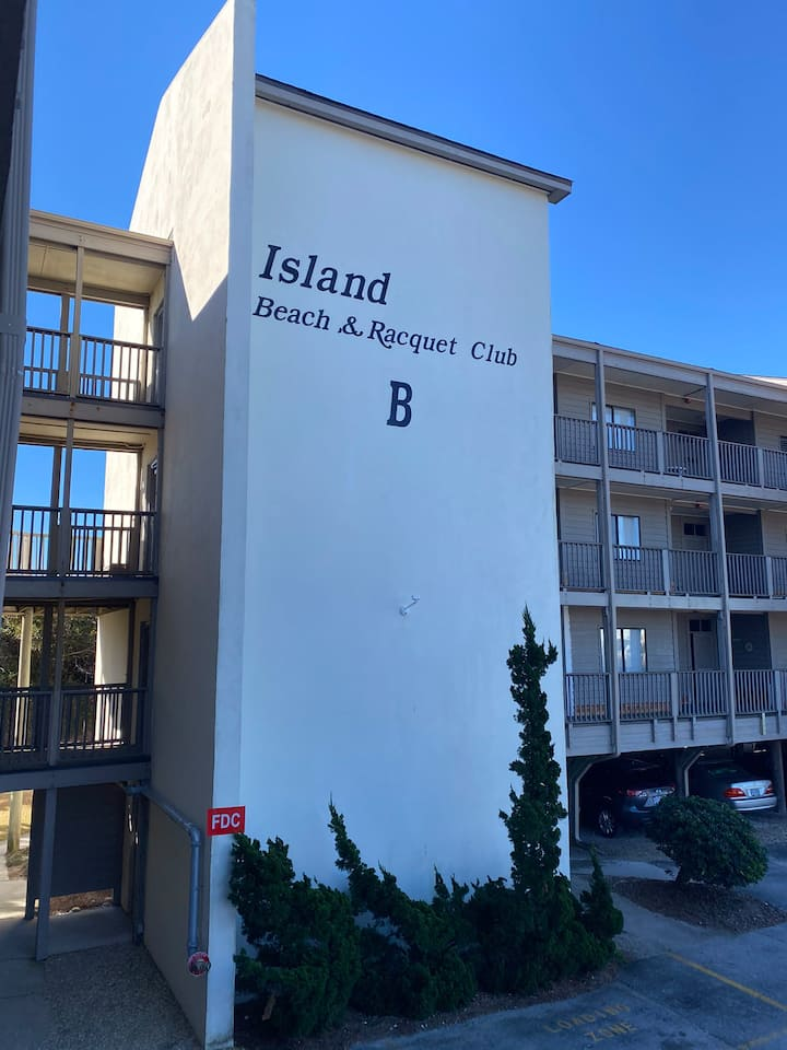 Beautiful Oceanfront 2BR 2 Bath Condo 1st floor