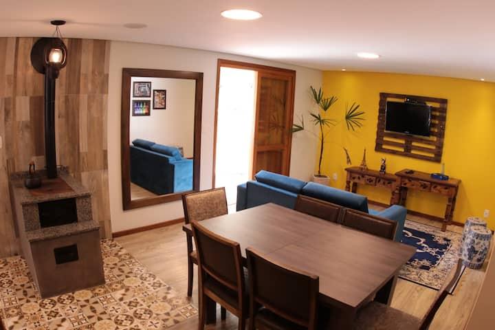 Apartamento dos Plátanos - próximo ao Lago Negro