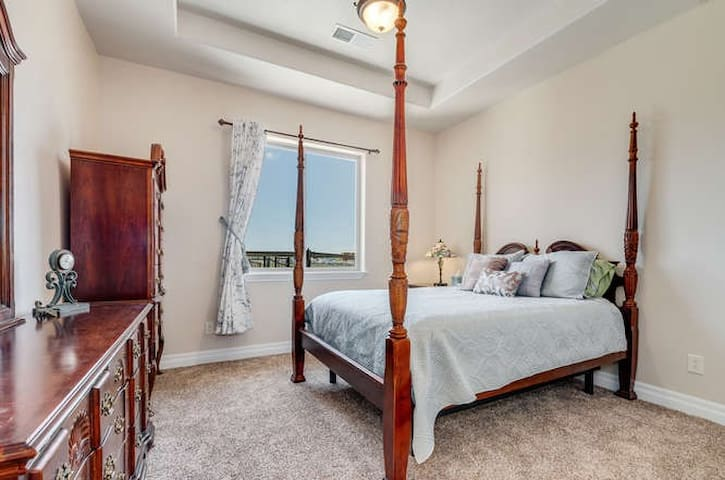 Summit Villa - 420 Friendly - Green Suite