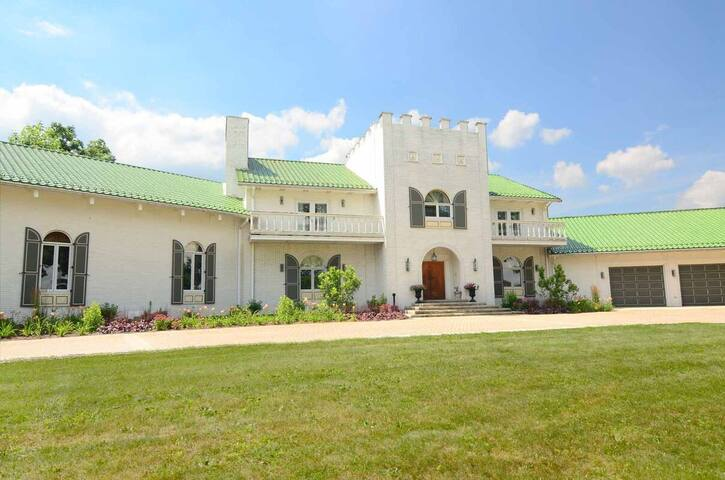 Largest Rental Estate in MD with private pool, home theater and 3 hot tubs!