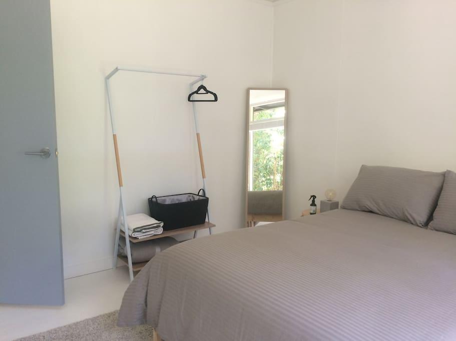 Bedroom (open closet)
