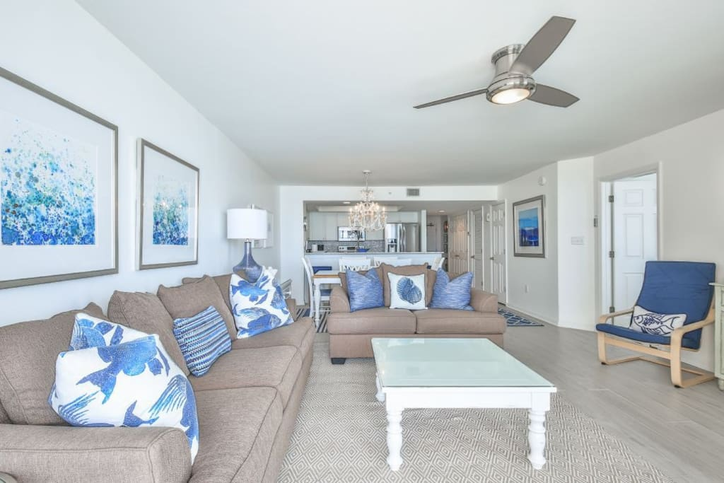 Spacious Oceanfront Living Room
