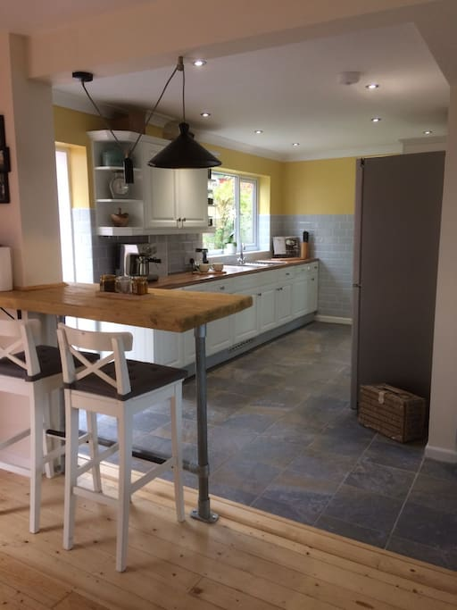 Open-plan kitchen/dining space