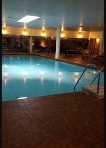 ☆SPACIOUS TWO BEDROOM DOWNTOWN!☆ - Windsor - Apartamento