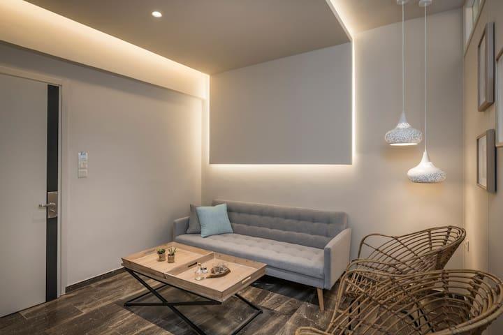 Sun Ray Luxury Apartment 100m to beach Room 101