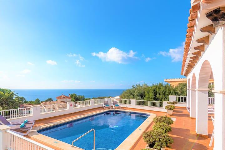 Villa Ursula- seaviews, private pool, Aircon