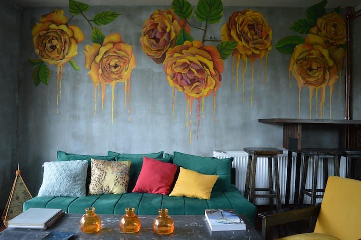 Mystic River Design Hostel- a shared 6-bed room