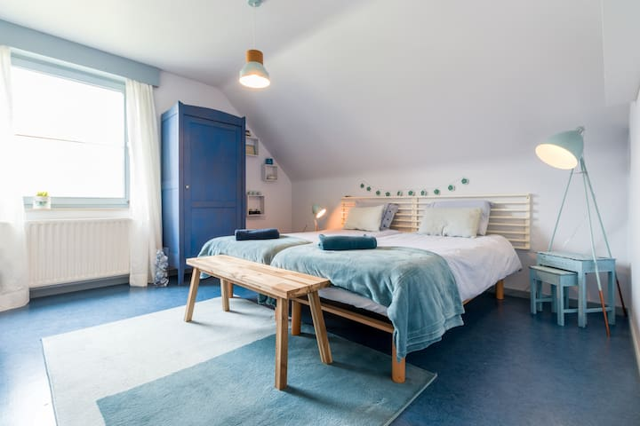 Studio near Ghent , two bedrooms, free parking