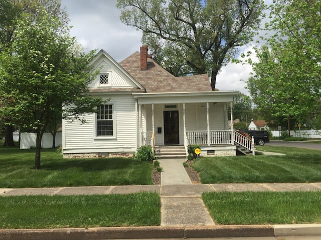 Historic Home on Jefferson Street. - Paducah - Casa