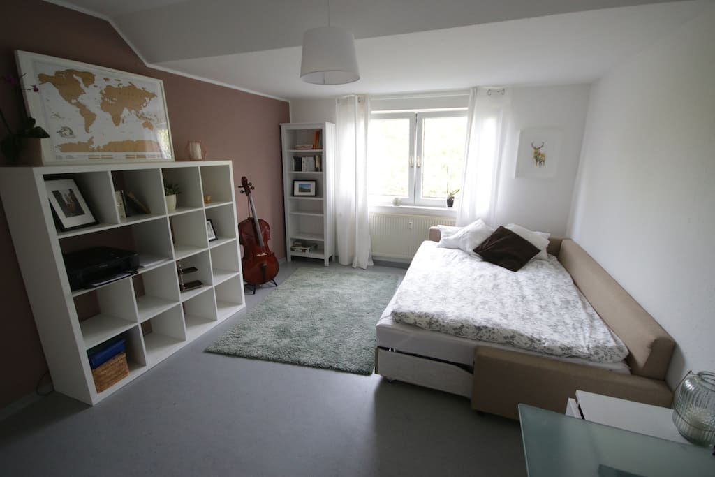 ruhiges sch nes zimmer nah zu documenta14 wohnungen zur miete in kassel hessen deutschland. Black Bedroom Furniture Sets. Home Design Ideas