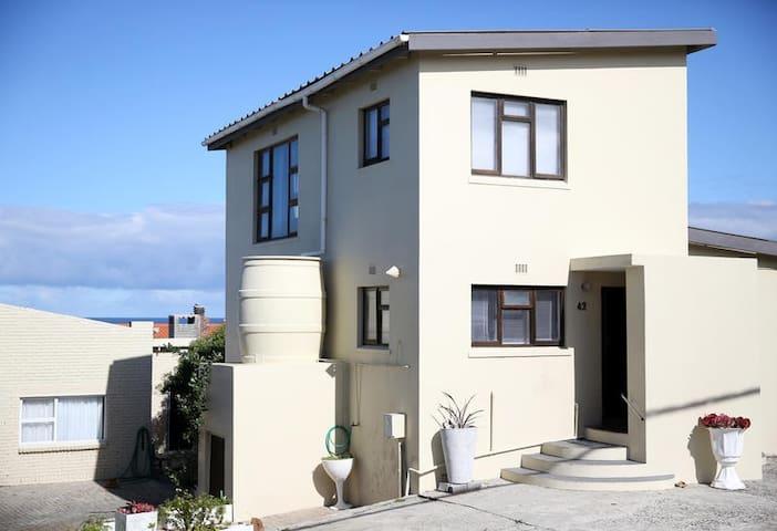 Portmanteau Villa
