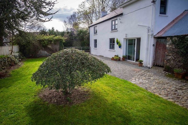 The Grove Cottage, Killarney.