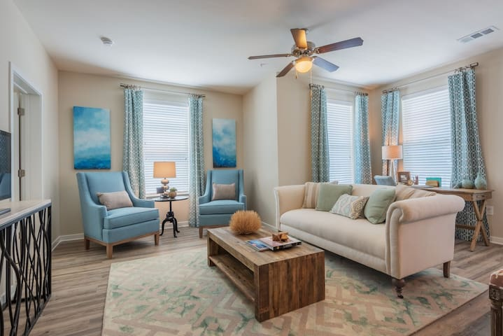 Clean apt just for you   2BR in Mt. Pleasant