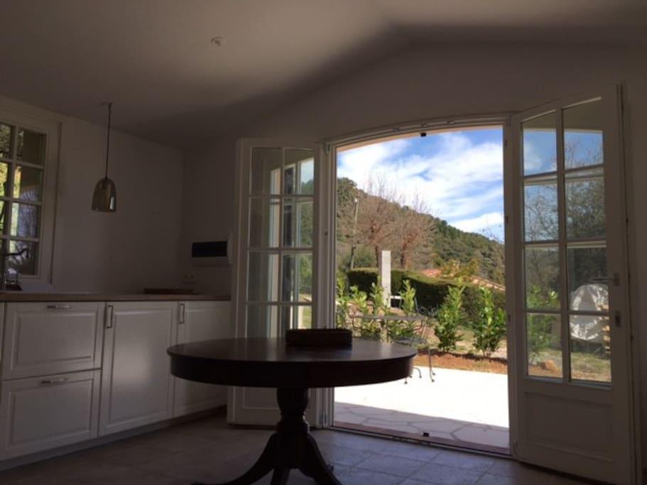 Livingroom/kitchen with open doors