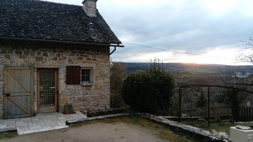 Jolie petite maison dans le Vallon - Salles-la-Source - Haus