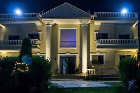 Private Room in a Villa - Cairo Governorate - 别墅