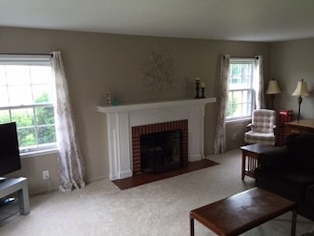 Walk to downtown Rochester 4 bedroom 2.5 bath home