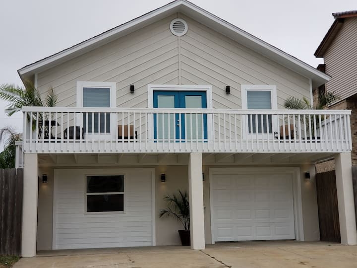 Newly Remodeled Sol Mates Beach House