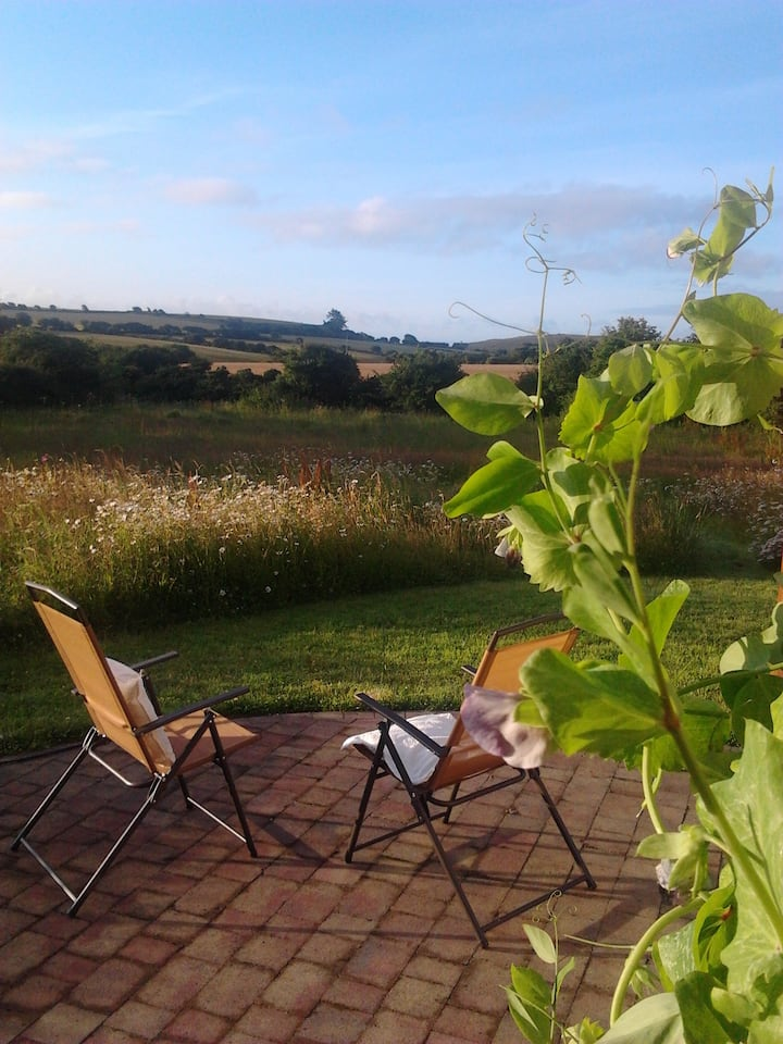 Bright country guest suite near beach & Ballymaloe