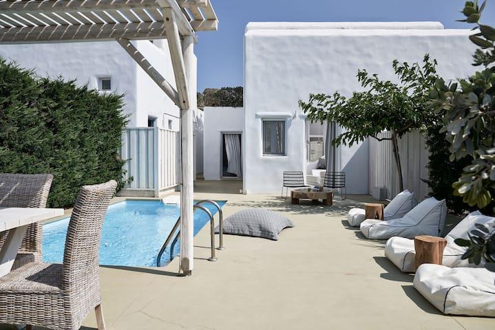 2BDRM Executive Villa Sea View PRVT Pool&Jacuzzi 2