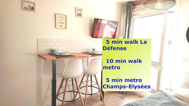 Renovated, calm, métro, La Défense, U Arena, Paris