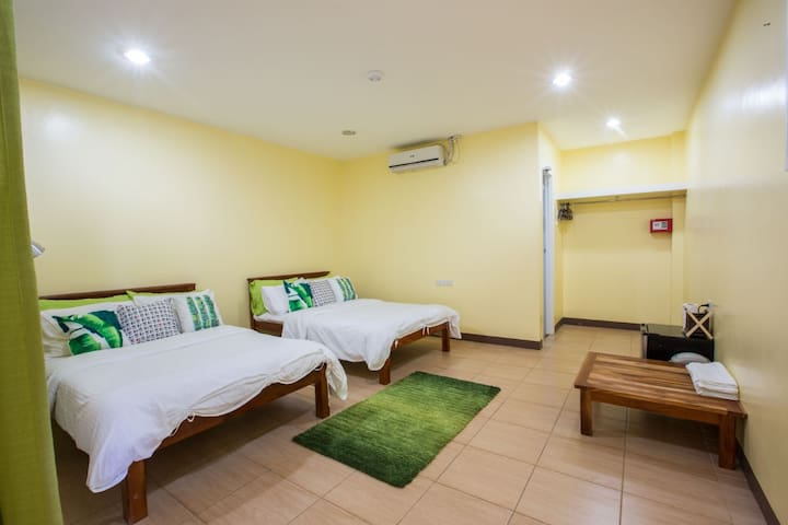 3B (2 Double beds)