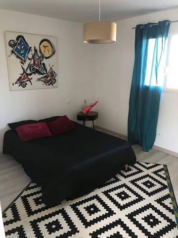 Chambre double dans belle villa