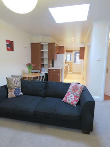 Bright & spacious 1 bedroom flat Greater London - Pinner - Departamento