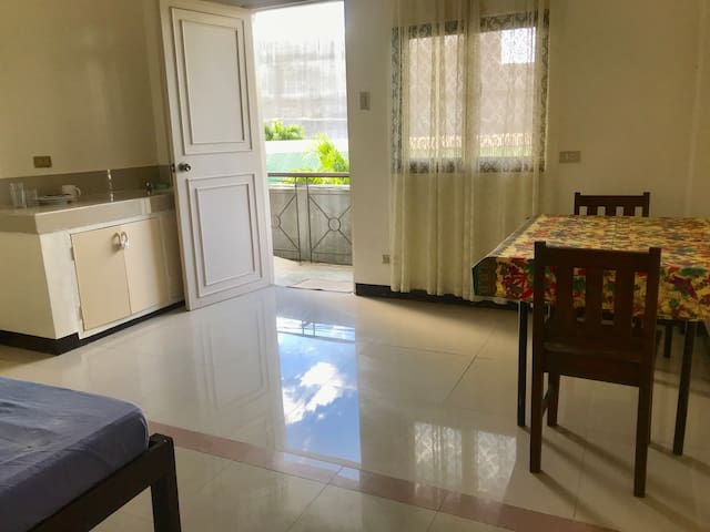 One Bedroom Magsaysay Avenue