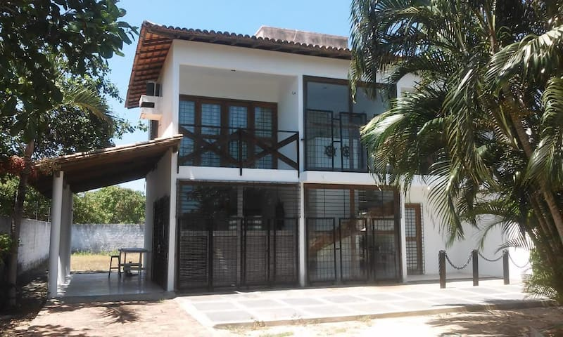 Alugo casa de andar mobiliada, Parnaíba-Piauí.