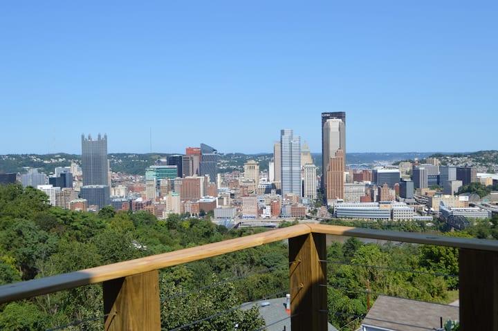 Pittsburgh Skyline Views - Luxury 1 Bedroom